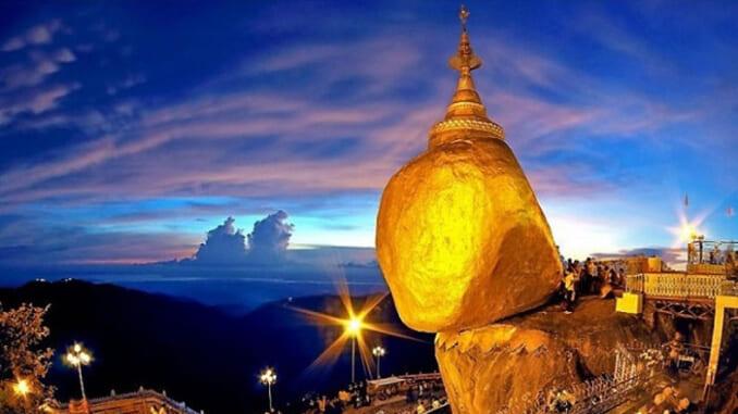 Kì lạ ngôi chùa hàng nghìn năm nằm treo leo trên tảng đá vàng tại Myanmar