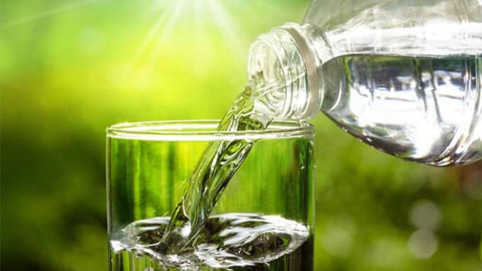 Uống bao nhiêu nước mỗi ngày? Ảnh: Shutterstock
